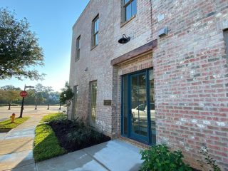 Exciting news on Bridgewater Five - the upstairs condo E with 2 bedrooms and 1836 square feet is now available for rent! Call us to reserve it today. Visit www.bridgewaterfive.com for more details. #shreveport #shreveportla