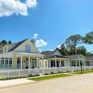 The white picket fence has been installed in front of the charming cottages recently built on Woodberry. We are in love! #shreveporthomes #traditionalneighborhooddevelopment #cottagestyle #louisianahomes