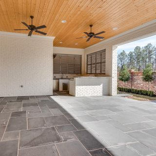 Outdoor kitchen & patio bliss in Provenance! We would sit right here every single day - rain ☔️ or shine ☀️ !  #shreveporthomes #provenancecommunity #patioperfection #smmakelifebeautiful